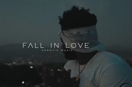 DOWNLOAD : Chronic Law – Fall In Love